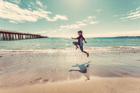 Dovolená u moře - běhání po pláži