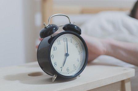 Hluboký spánek - tikot budíku