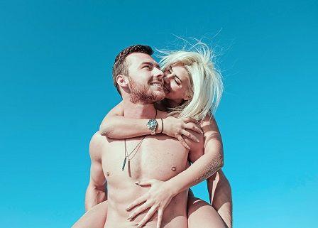 Pokles testosteronu - zamilovaný pár