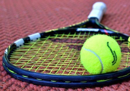 Natažené vazy v koleni - tenis