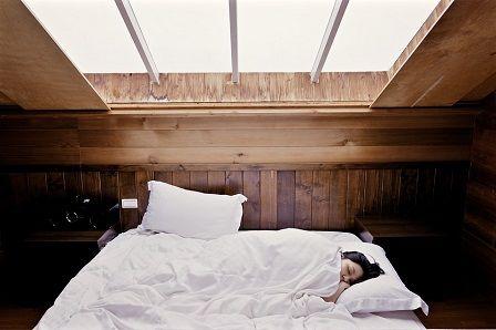 Spánkový cyklus - jednotlivé fáze spánku