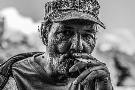 Muži po padesátce - kuřák cigaret