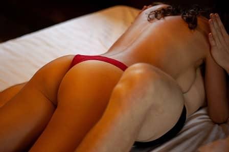 Milování s partnerem v posteli
