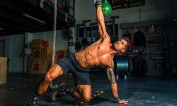 Mám silnou bolest svalů po tréninku. Je to normální?
